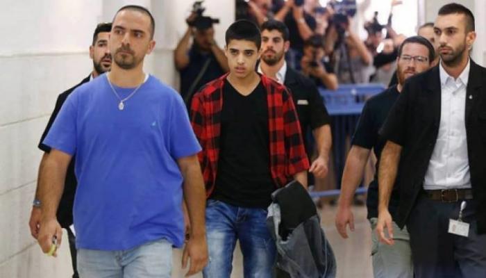 """الأسير الطفل أحمد المناصرة في طريقه لـ""""محكمة الاحتلال"""""""