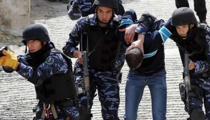 الأجهزة الأمنية لسلطة رام الله تعتقل أسرى محررين من الضفة المحتلة (أرشيفية)