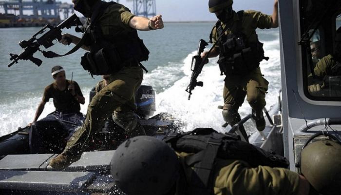 بحرية الاحتلال تعتقل صيادين فلسطينيين من مخيم الشاطئ للاجئين