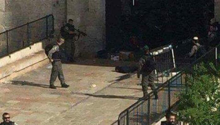الصورة من مكان عملية أطلاق النار على الفتاة