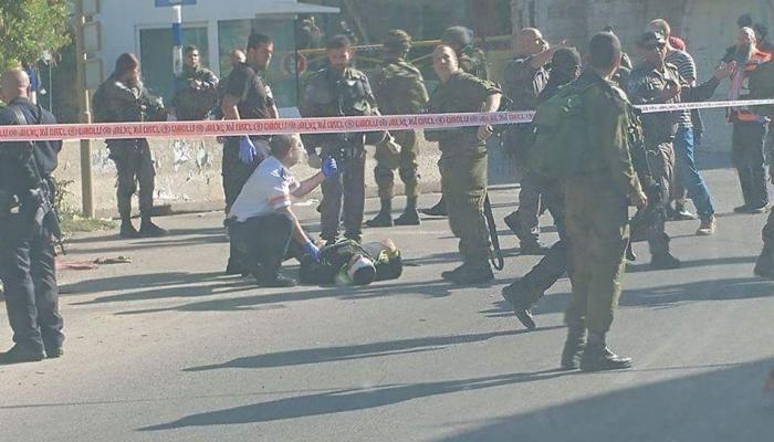 الخليل المحتلة-من موقع إطلاق النار على الشاب الفلسطيني