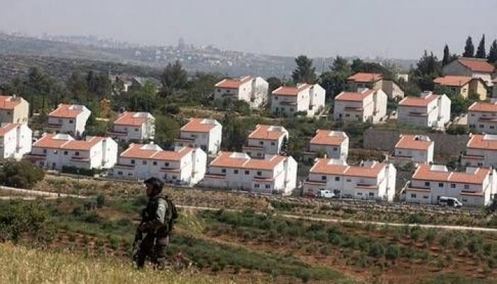 نتنياهو وليبرمان يُصادقان على بناء (2500) وحدة استيطانيّة في الضفة المحتلة