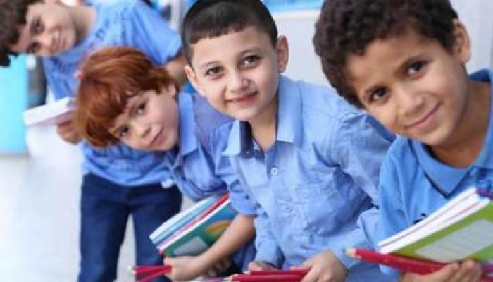 300 ألف كتاب مدرسي تصل غزة بالتنسيق مع