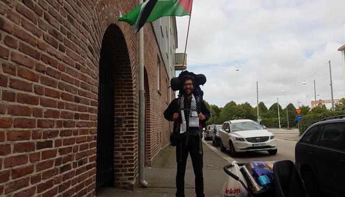 الناشط السويدي بنيامين لادرا