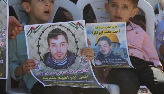 خمسة أسرى في سجون الاحتلال مستمرين في إضرابهم المفتوح عن الطعام