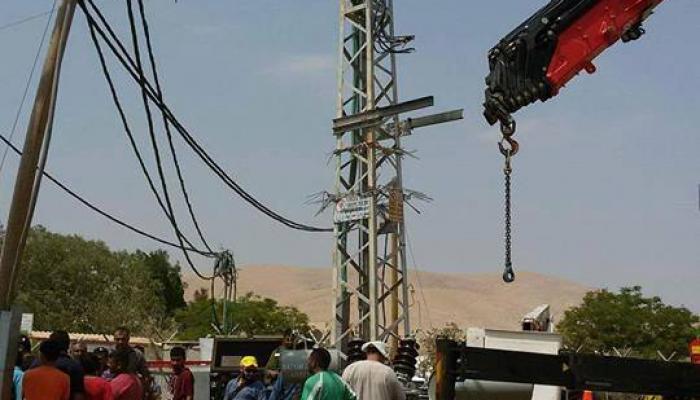 الاحتلال يستبدل محوّل الكهرباء في قرية الجفتلك