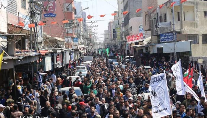 جانب من تشييع الشهيد مازن الفقهاء في غزة