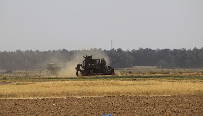توغل لجرافات الاحتلال شرق خزاعة