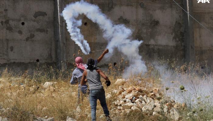 مواجهات بين الشبان وقوات الاحتلال في الضفة المحتلة وقطاع غزة
