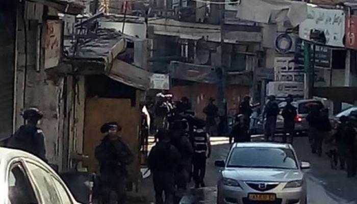 خلال اقتحام قوات الاحتلال مخيم شعفاط