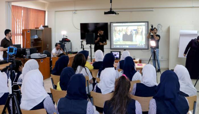 خلال جلسة النقاش عبر الفيديو