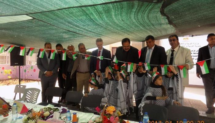 جانب من الاحتفال خلال افتتاح مدرسة بنات مخيم الفارعة الثانوية