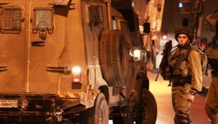 أرشيفية- حاصرت قوات الاحتلال منزل في مخيم بلاطة واعتقلت فتى