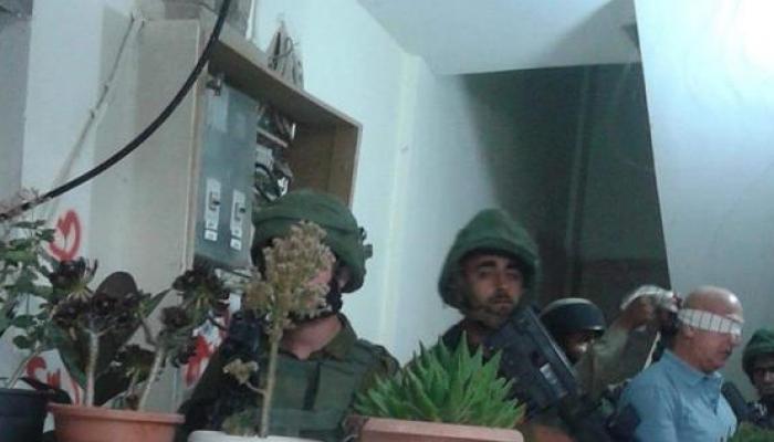 خلال عملية اعتقال الأسير المحرر بسام أبو عكر
