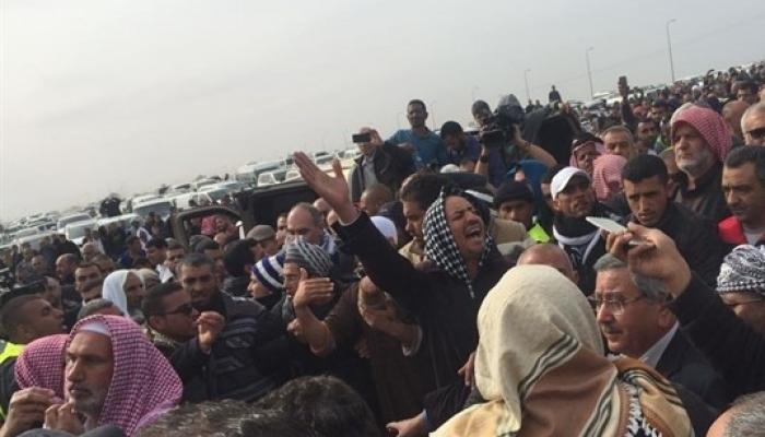 آلاف الفلسطينيين يشيّعون جثمان الشهيد أبو القيعان في النقب المحتل