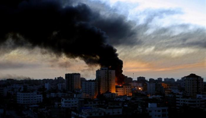 الاحتلال يقصف موقع شمالي قطاع غزة