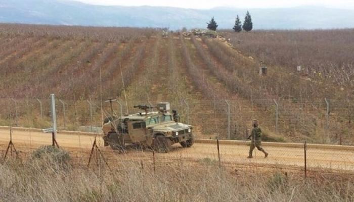الاحتلال يعتقل شبّان اجتازوا السياج الأمني العازل شرقي قطاع غزة