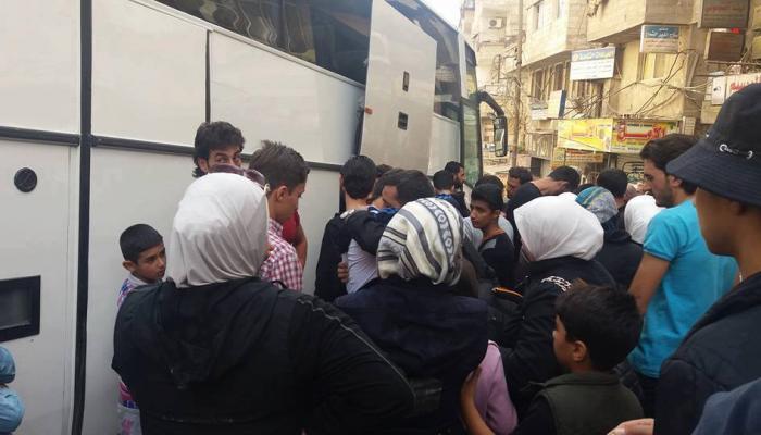 بدء خروج المقاتلين وعائلاتهم من بلدتي قدسيا والهامة (دمشق الان)