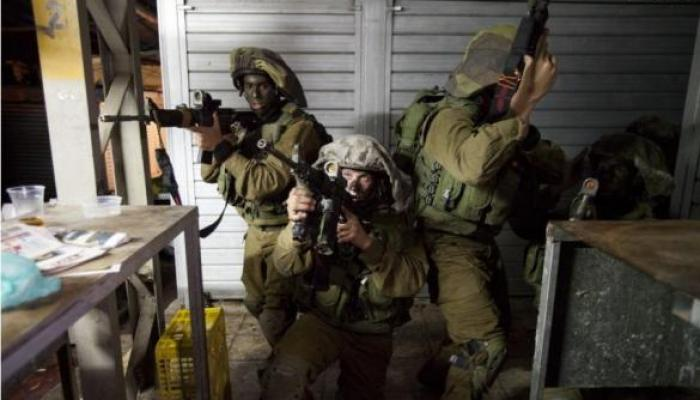 اقتحامات واعتقالات وبلاغات استدعاء بالضفة المحتلة تطال مخيم شعفاط للاجئين
