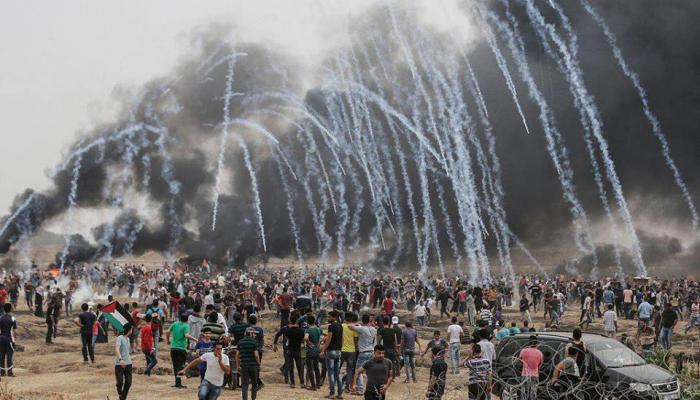 الفلسطينيّون ينطلقون في الجمعة السابعة لمسيرات العودة الكبرى.. والاحتلال يُواصل اعتداءاته
