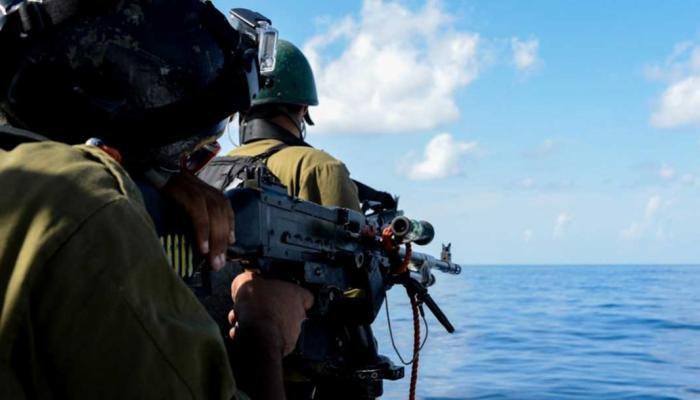 بحريّة الاحتلال تعتقل (3) صيادين من بحر شمال غزة