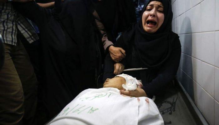 من وداع الشهيد الطفل ياسر أمجد أبو النجار الذي ارتقى برصاص الاحتلال شرقي خانيونس يوم الجمعة