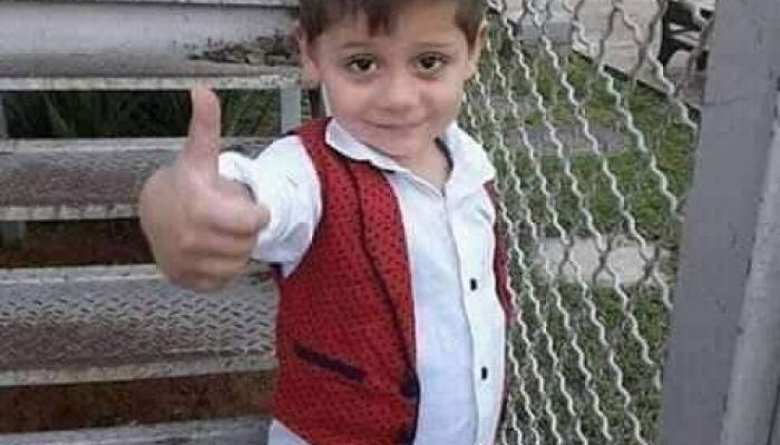 وفاة طفل من غزة اعتقل الاحتلال والده أثناء مرافقته للعلاج
