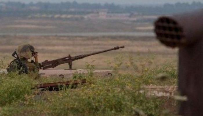 طيران الاحتلال يستهدف شبّان شرقي خانيونس ويمنع إسعافهم