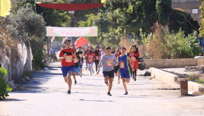 """أطفال مُخيّم الرشيديّة يركضون تحت شعار """"نركض للمُساواة بين الجنسين"""""""