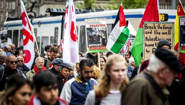 من مظاهرات المناهضة لجرائم الاحتلال الإسرائيليلافي هولندا  - انترنت