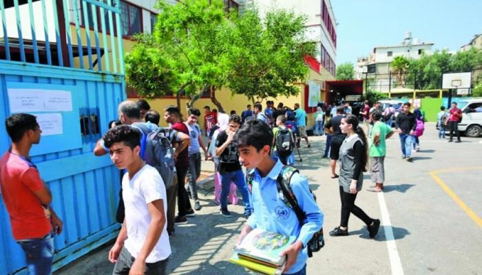 لماذا تراجعت نسب نجاح الطلاب الفلسطينيين في لبنان في امتحانات بريفيه؟