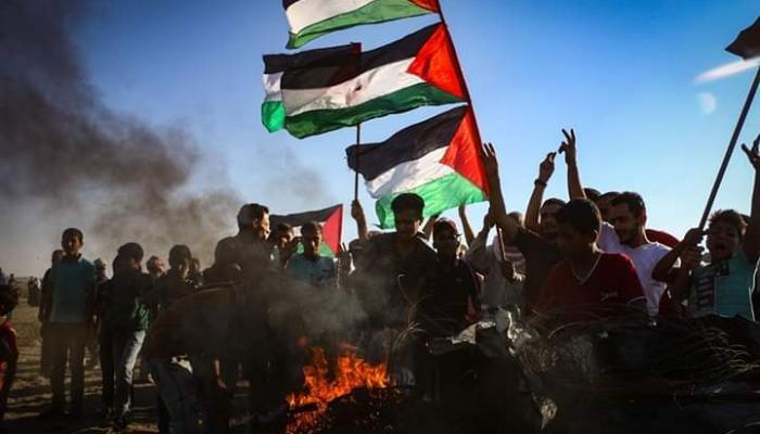 """جمعة """"حرق العلم الصهيوني"""" في غزة.. وجمعة غضب في مُخيّمات لبنان"""