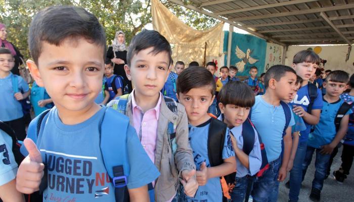 """قرابة نصف مليون طالب فلسطيني يتوجّهون إلى مدارس """"الأونروا"""""""