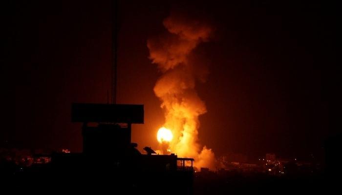 الاحتلال يشن غارات على مناطق في قطاع غزة
