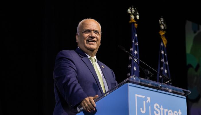 صائب عريقات خلال مشاركته في المؤتمر السنوي لمنظمة J STREET الصهيونية – تشرين ثاني / نوفمبر 2019